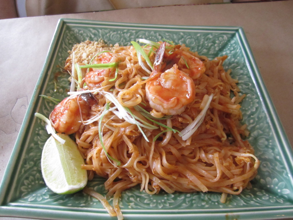 Pad Thai. Restaurant Thailande. Photo Esther Szeben.