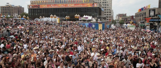montreal jazz fest crowd