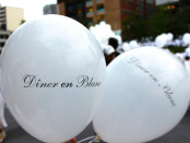 Diner en Blanc balloons. Photo by Annie Shreeve