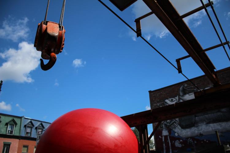 Redball Project. Artist Kurt Perschke. Photo Magali Crevier