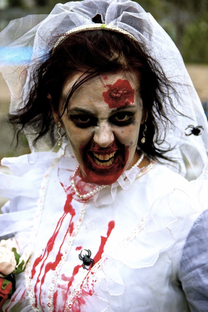 Bride. Zombie Walk. Montreal. Photo Michael Bakouch.