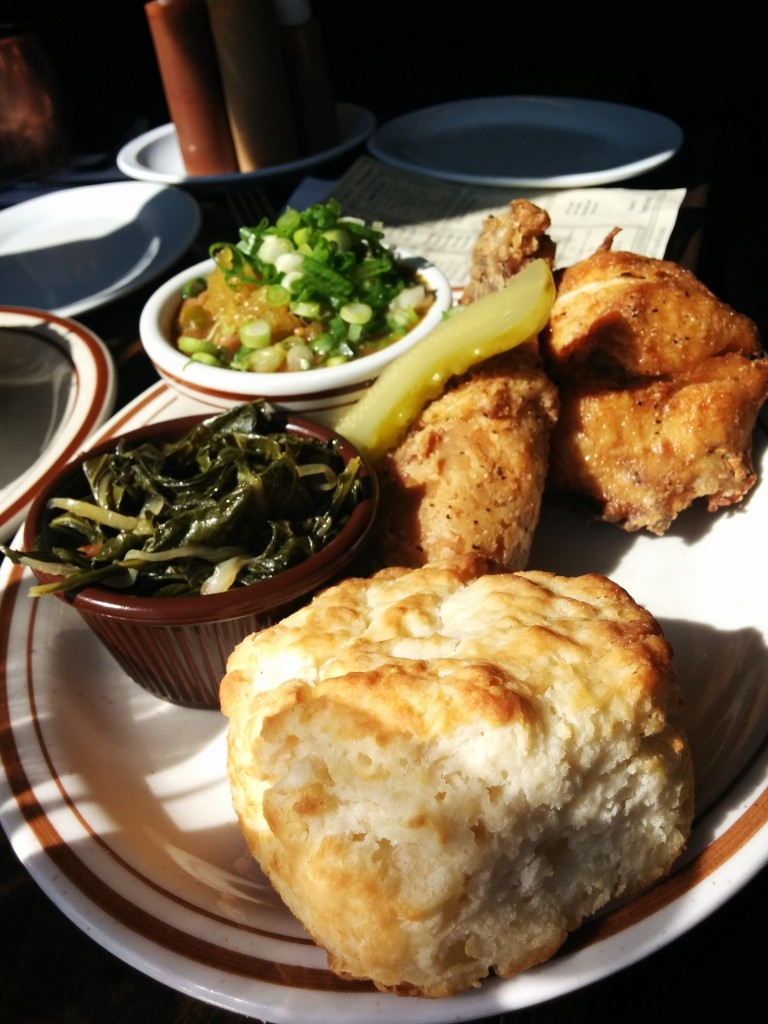 Fried Chicken. Dinette Triple Crown. Photo Esther Szeben.