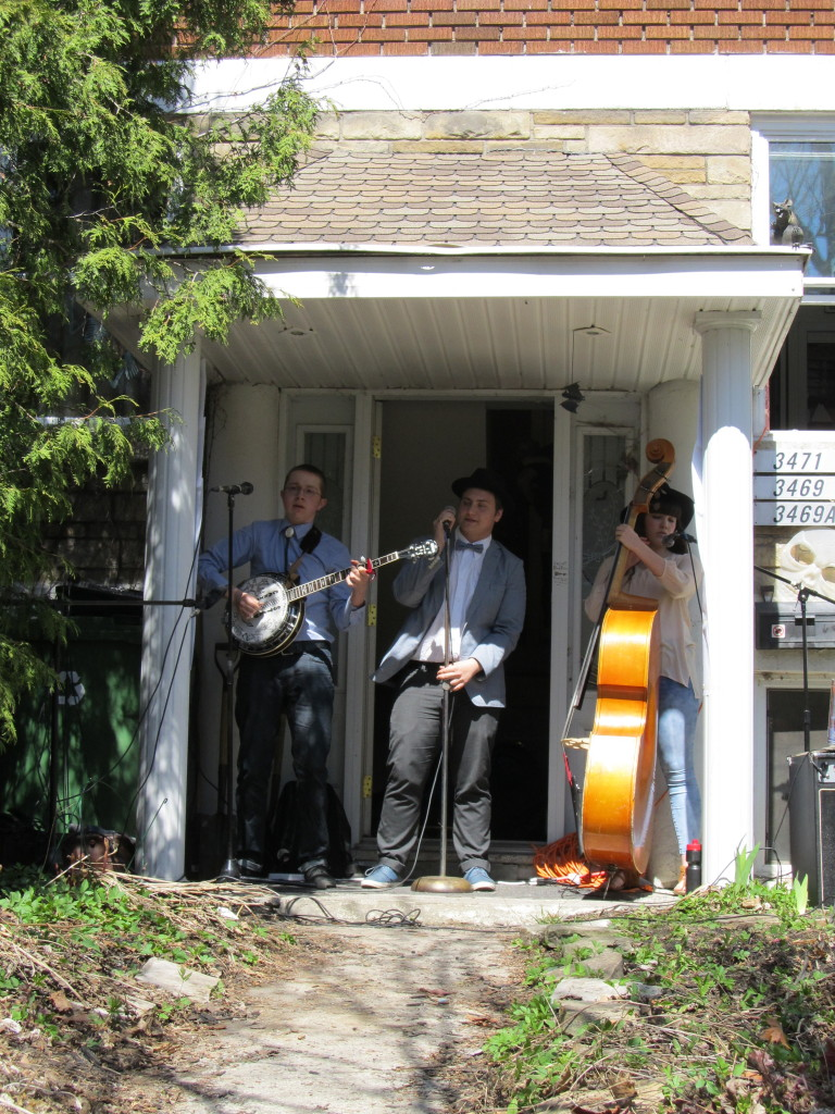 Caribou Stew. NDG Porch Fest. Photo Evelyn Richardson-Haughey