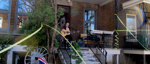 Emma June. NDG Porch Fest. Photo Evelyn Richardson-Haughey