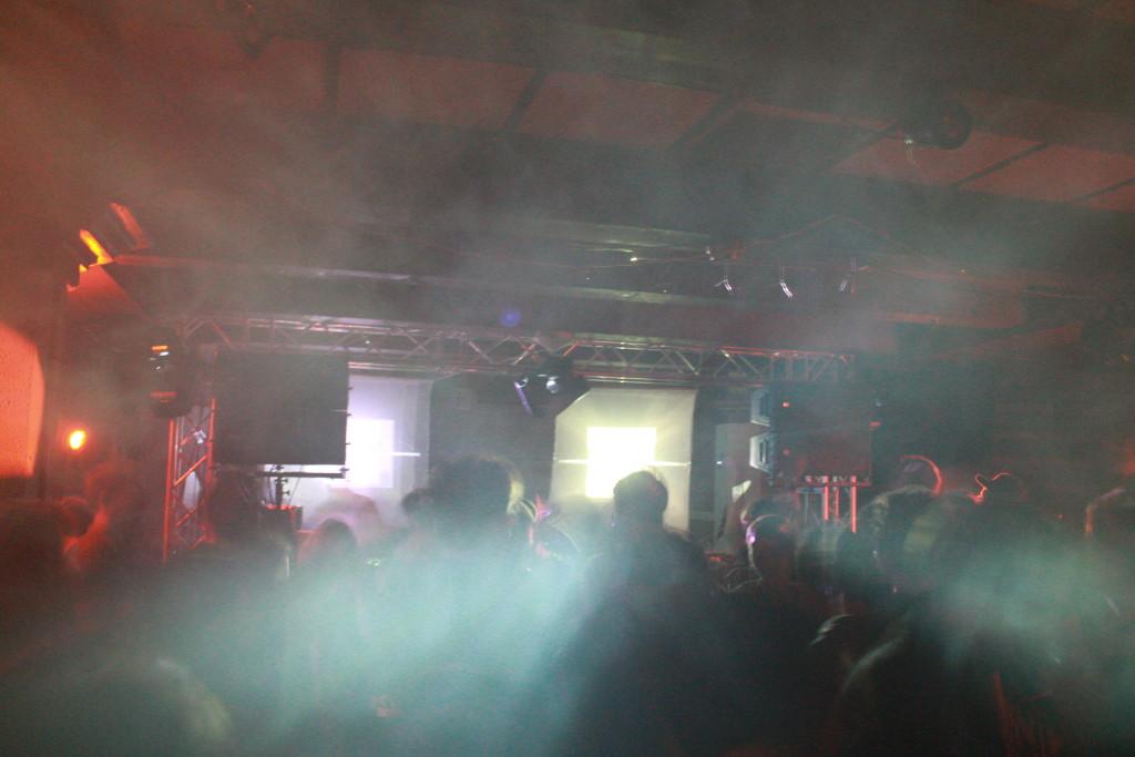 Crowd. OCTOV. Photo Sarah Bemri.