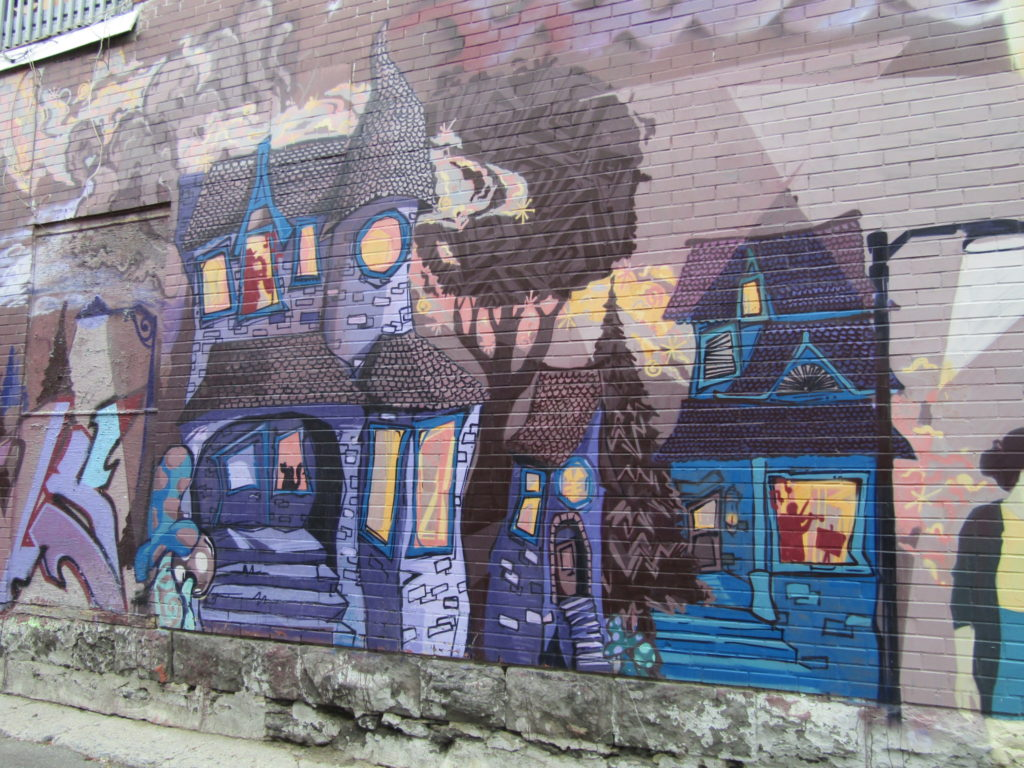 Miss Teri Street Art. Rue Mt. Royal. Photo Rachel LEvine