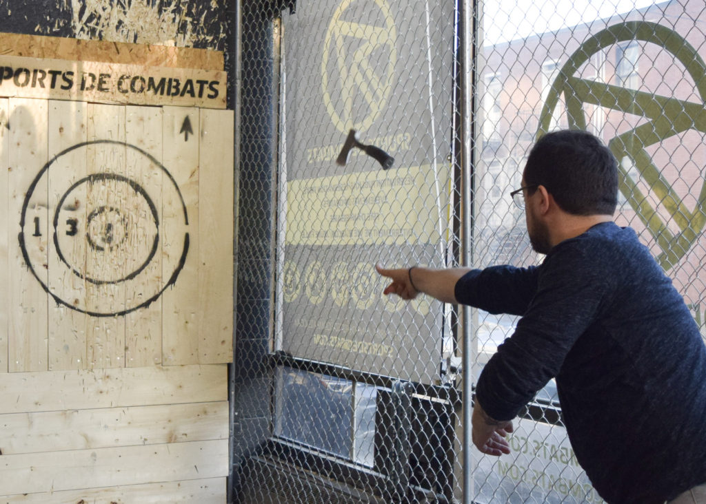 Axe Throwing. Sports de Combats. Photo Angelique Koumouzelis